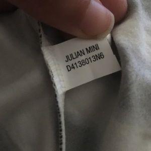 Diane Von Furstenberg Dresses - Diane Von Furstenberg 3/4 sleeve wrap dress